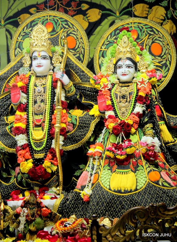 ISKCON Juhu Sringar Deity Darshan on 31st Dec 2016 (27)