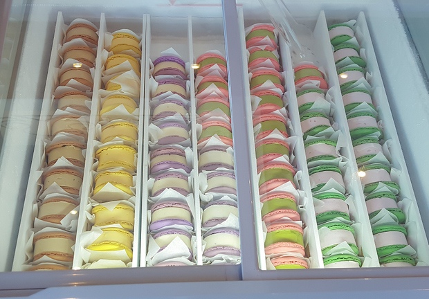 close-up photo of the different kinds of ice cream macaron sandwiches