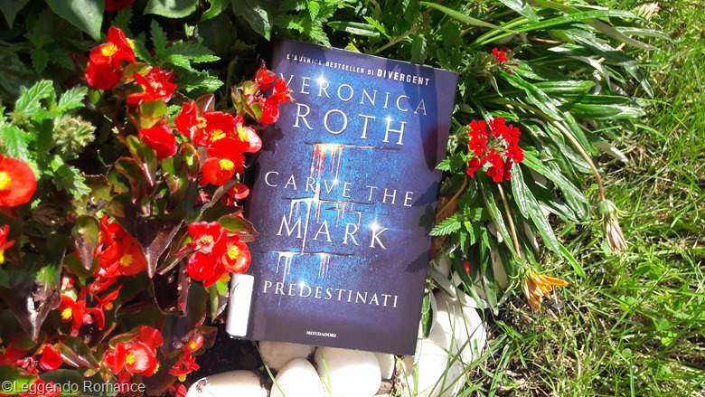 Carve the mark recensione