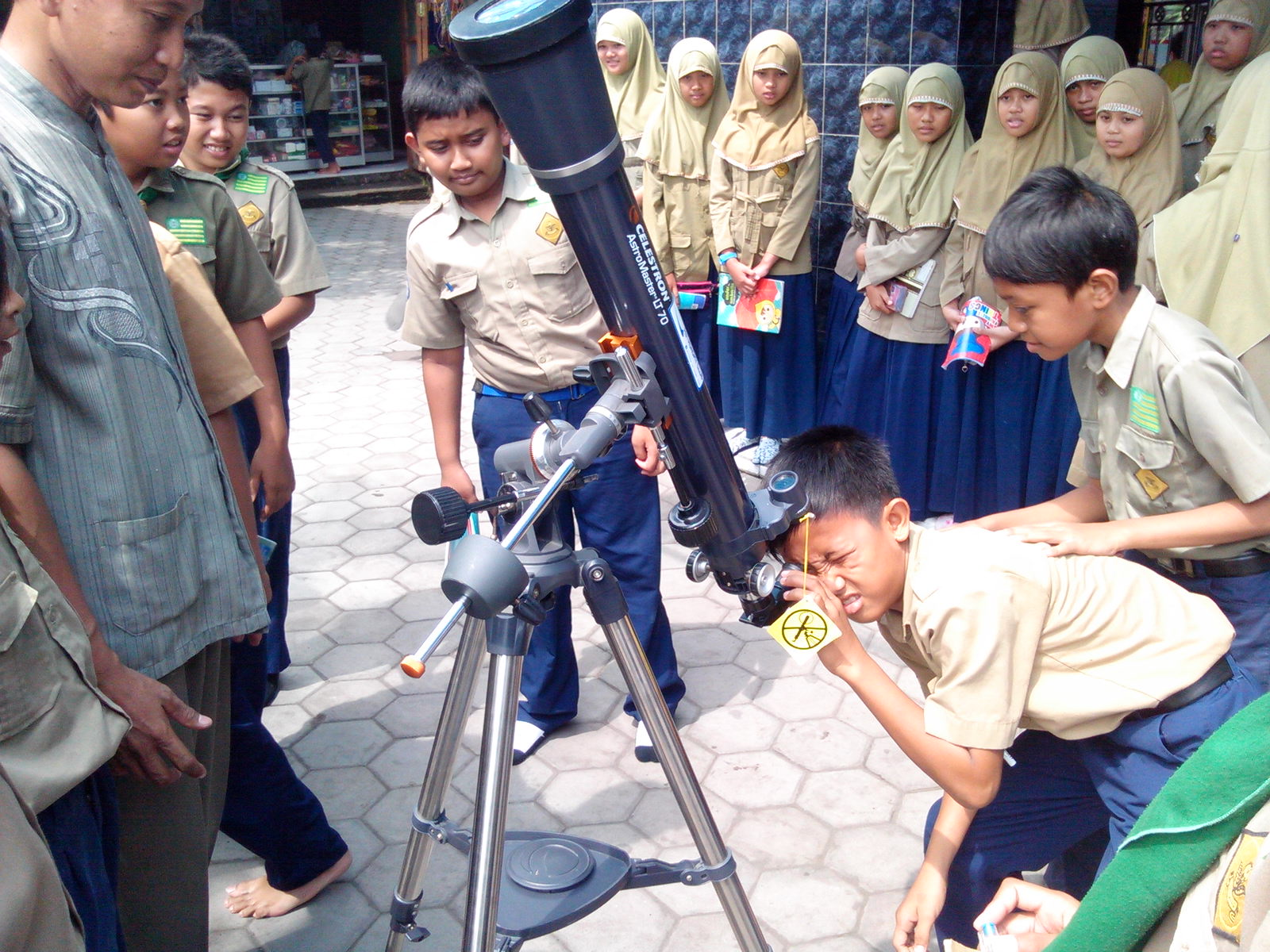 telescope goes to school