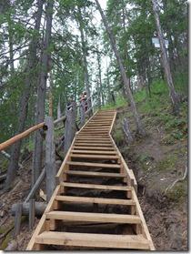 escaliers qui permettent d'accéder au sommet des colonnes de la Léna