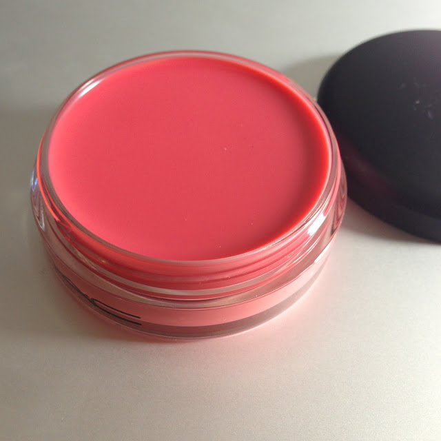 Mac Lip Conditioner SPF 15 in Petting Pink