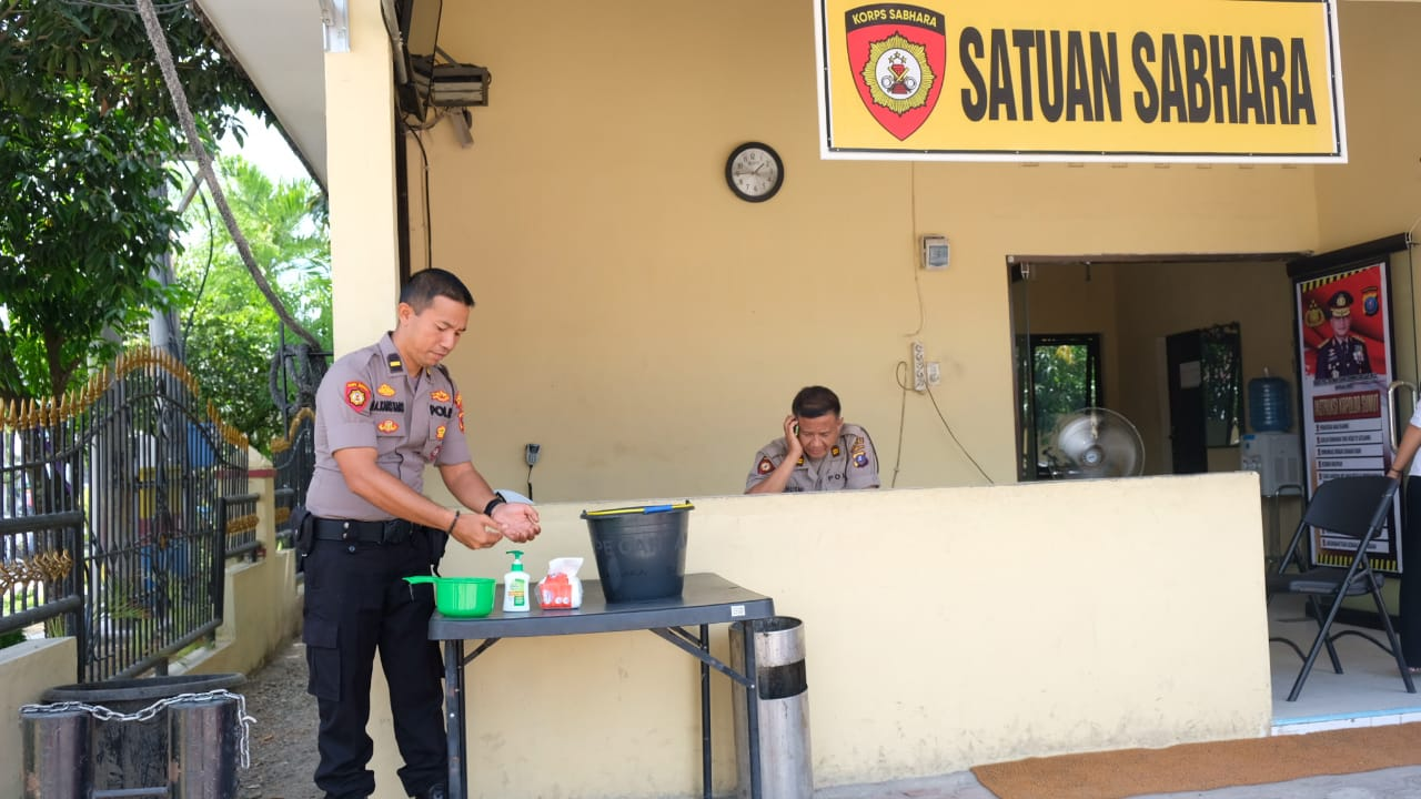 Kapolres Tanjung Balai Antisipasi Virus Corona Polres Tanjung Balai Siapkan Anti Septik