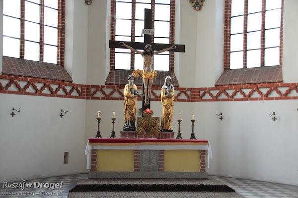 Ołtarz: Kościół pw. św. Maksymiliana Kolbe w Nowem