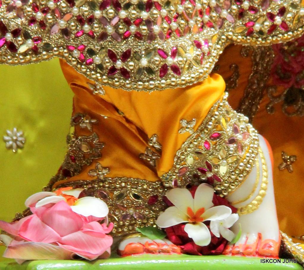 ISKCON Juhu Mangal Deity Darshan on 12th Sep 2016   (22)