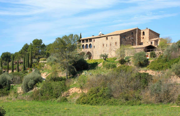 La Garriga de Castelladral, envoltada de camps.jpg