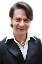 Igor Ledochowski Portrait