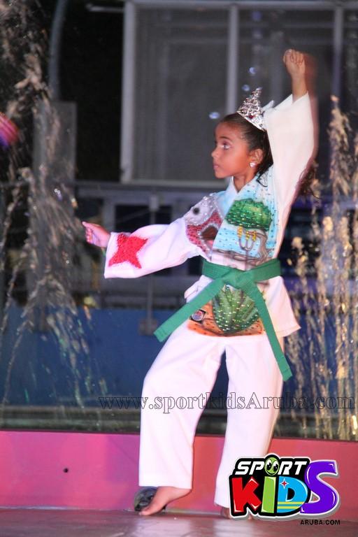show di nos Reina Infantil di Aruba su carnaval Jaidyleen Tromp den Tang Soo Do - IMG_8601.JPG