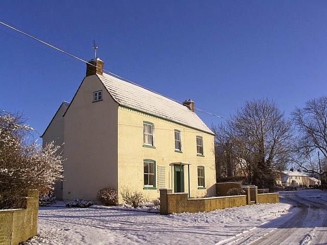 Woodhurst In The Snow - 3185598510233_0_BG.jpg