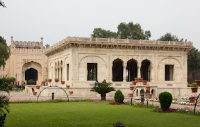 Hazuri Bagh Baradari which was actually part of Jahangir's tomb
