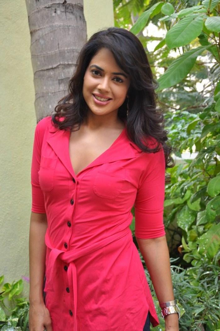 Sameera Reddy Hot in Pink