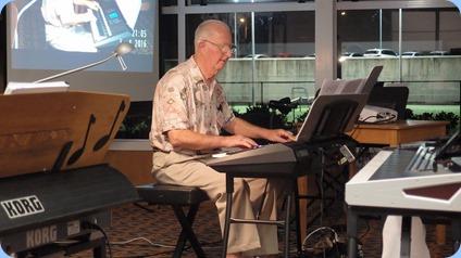 Peter Jackson played his Yamaha PSR-S950. Photo courtesy of Dennis Lyons.