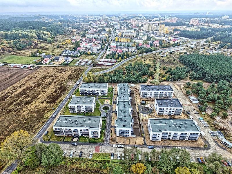 wynajem drona zdjęcia z lotu ptaka z drona nowowybudowane osiedle Pod Skarpą w Bydgoszczy w HDRach z lotu ptaka