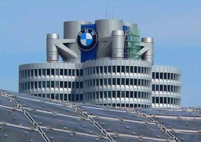 مبنى بي ام دبليو في المانيا