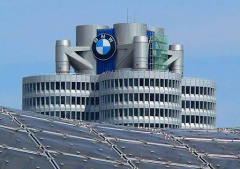 مبنى شركة BMW المانيا من تصميم المعمارية زها حديد