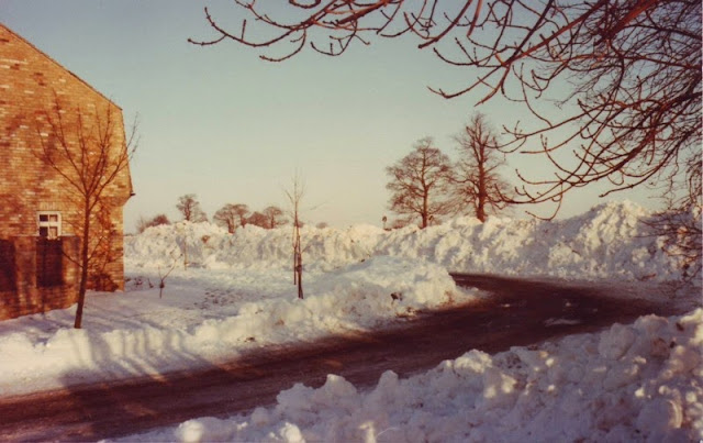 Woodhurst In The Snow - December 1981 - Scan10016.jpg