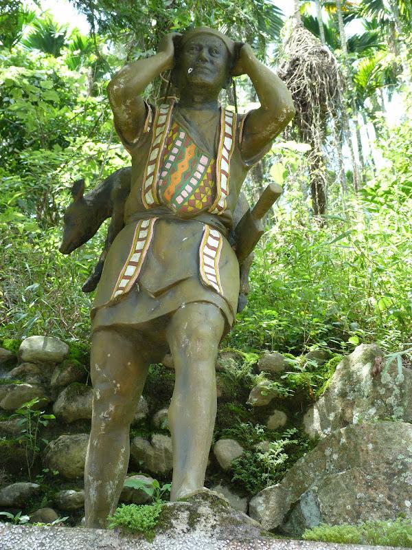 Puli  en passant , entre autres, par les villages de l ethnie Bunum de Loloko et Dili. J 10 - P1160856.JPG