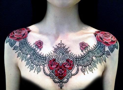 colar_ndio_estilo_de_tatuagem_no_peito