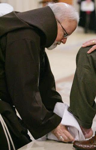 Cardinal Omalley And Archbishop Diarmuid Martin Wash The Feet Of Abuse Victims In Ireland
