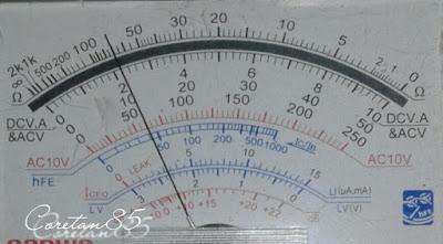 Cara Mengukur Voltase Aki Motor Dengan Avometer Analog
