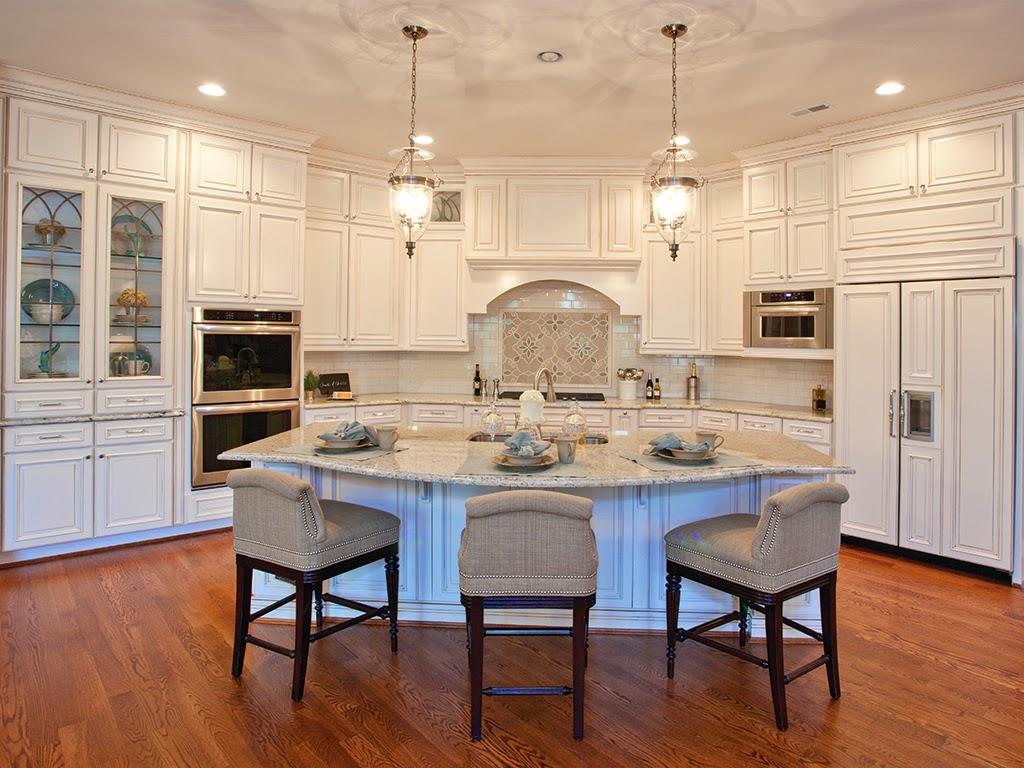 Cincinnati Experts In Custom Woodworking Kitchens