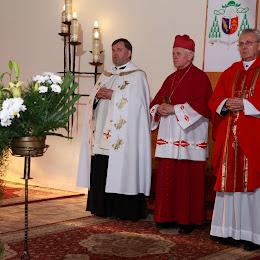 Wizytacja kan. 2010 - liturgiczne powitanie Abpa