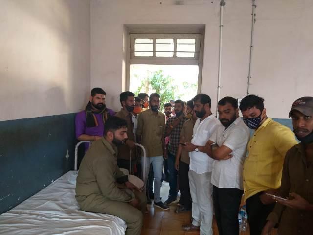 bus drivers murder attempt | ಪೆಟ್ರೋಲ್ ಸುರಿದು ಬಸ್ ಚಾಲಕನ ಹತ್ಯೆಗೆ ಯತ್ನ; ವಿಎಚ್ಪಿ, ಬಜರಂಗದಳ ಖಂಡನೆ