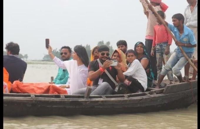 अभिनेत्री पाखी हेगड़े ने यूपी के संतकबीर नगर में बाढ़ पीड़ितों की मदद की, उनके बीच राहत सामग्री बांटी