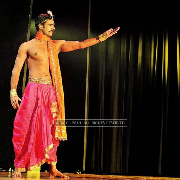 Three of its most popular plays Saudagar , Chakravyuh and Draupadi, were staged during the fest.