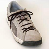 Римская шнуровка кроссовок