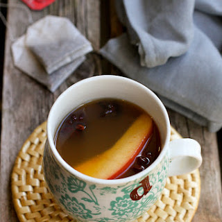 Slow Cooker Chai Apple Cider