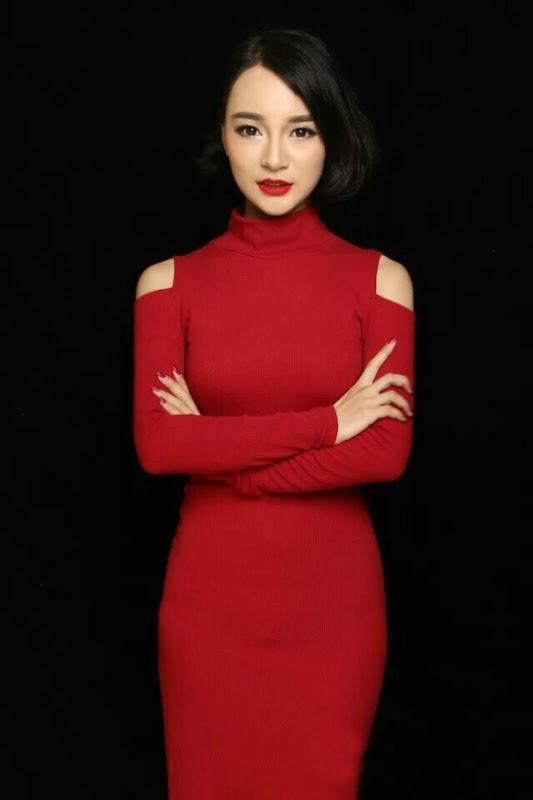Sula Wenya / Sura Elegance China Actor