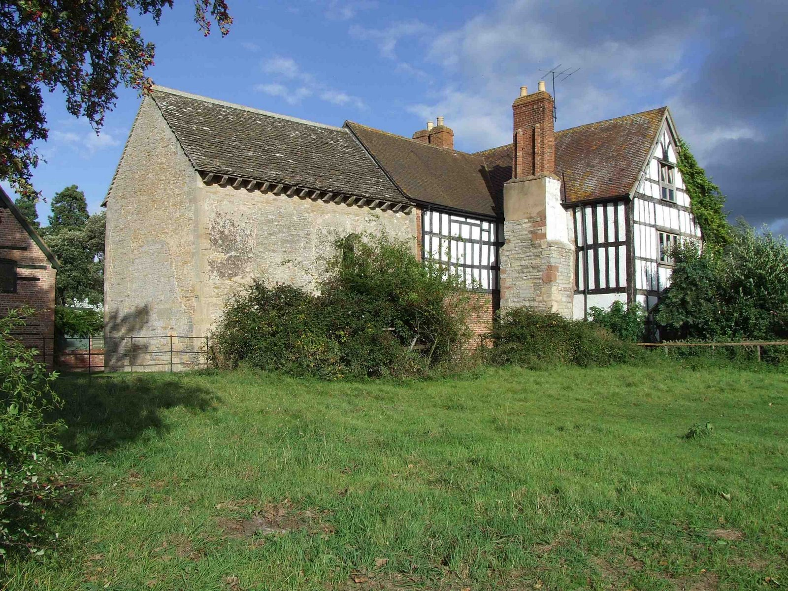 English buildings english architecture c 600 1500 for 1500 house