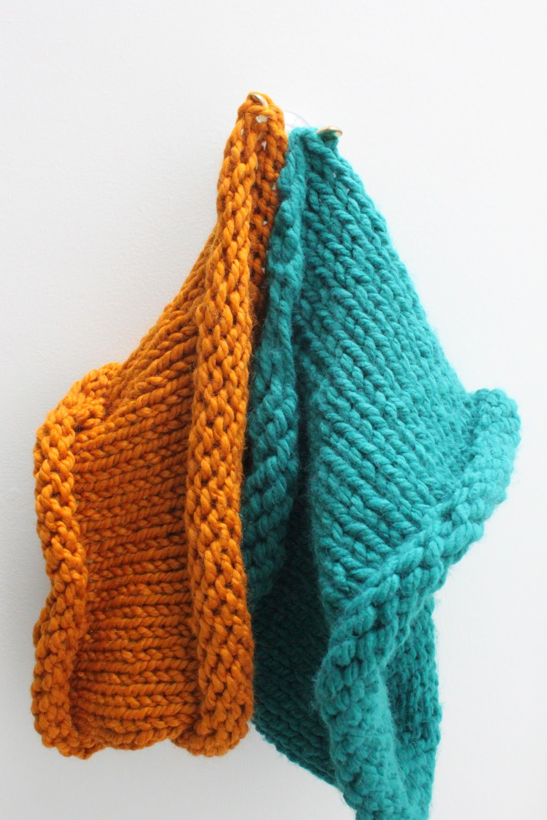Knit Cowl of the Chunky Variety {A Tutorial} - Smashed Peas & Carrots