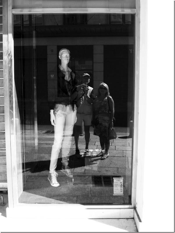 bordeaux vitrine SC grayscale  070218 00000