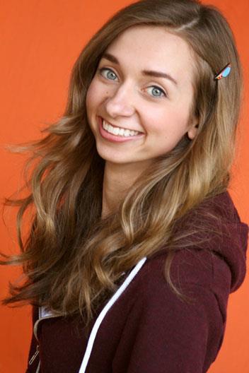 Lauren Lapkus Profile Pics Dp Images