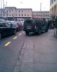 """""""Je vais faire les courses aux Cygnes et je parque mon gros SUV sur la piste cyclable »… Photo: dani"""