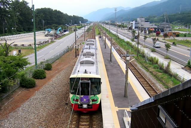 越中宮崎駅 えちごトキめき鉄道日本海ひすいライン
