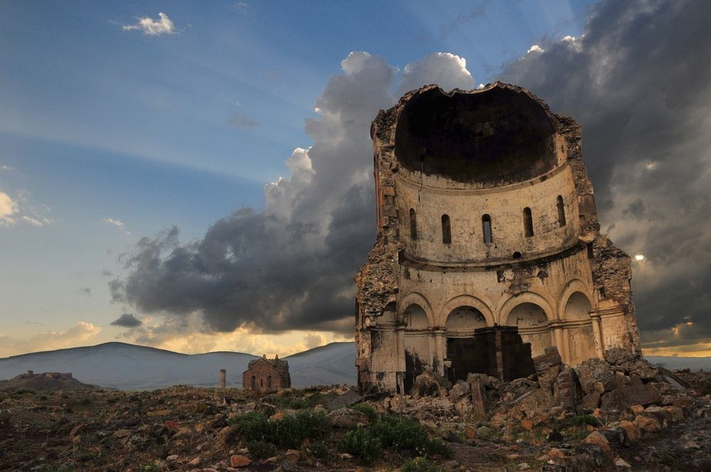 ani-ruined-churches-13