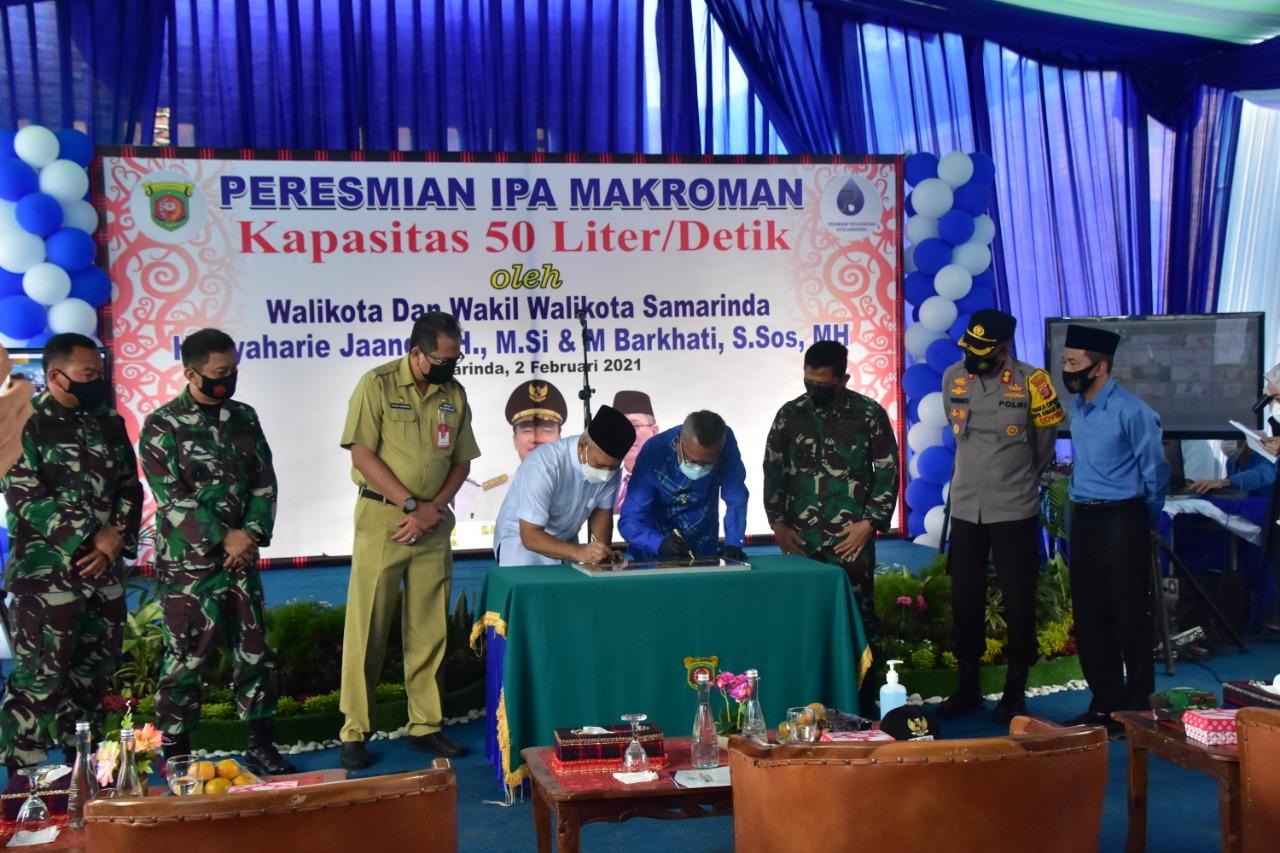 Danrem 091/ASN Dan Walikota Samarinda Resmikan Instalasi Pengolahan Air Makroman
