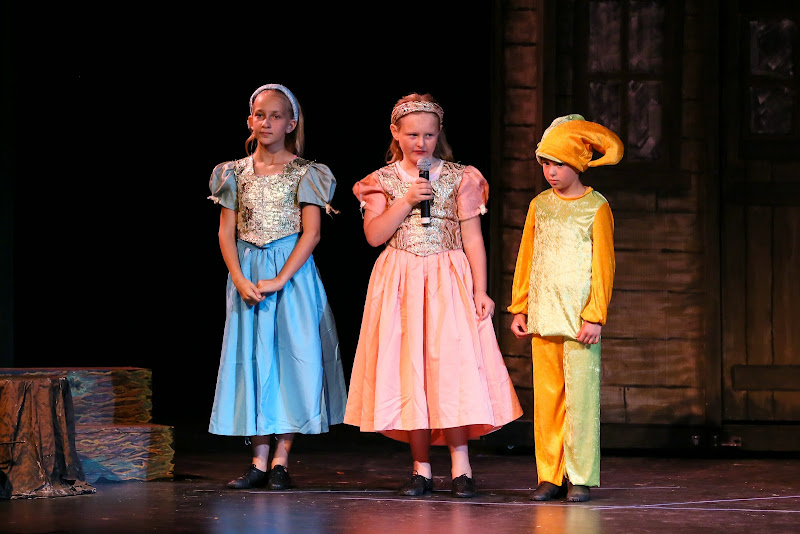 2014Snow White - 102-2014%2BShowstoppers%2BSnow%2BWhite-6425.jpg