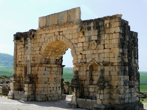 Photo: Volubilis - Arch of Caracalla 217 AD ........... Boog van Caracalla uit 217 n.C.