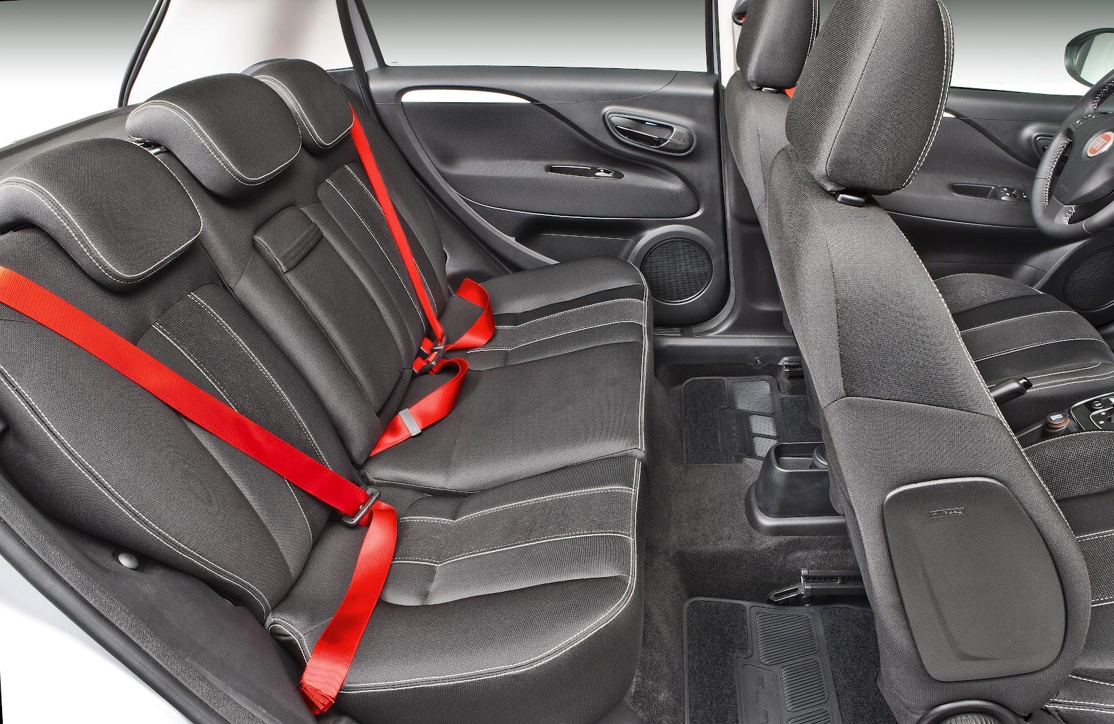 O Novo Punto chegou na Carboni Fiat: um carro de corpo e alma esportivo punto sporting 021