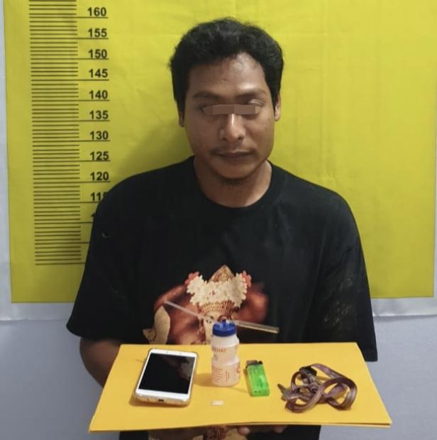 Kantongi Sabu, Seorang Petani Bertekuk Lutut Saat Diringkus Polsek Batang Cenaku