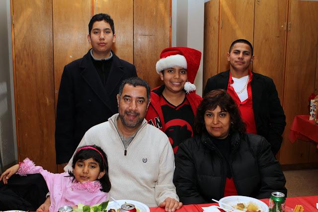 OLOS Navidad 2010 con Amigos Migrantes - IMG_9861.JPG
