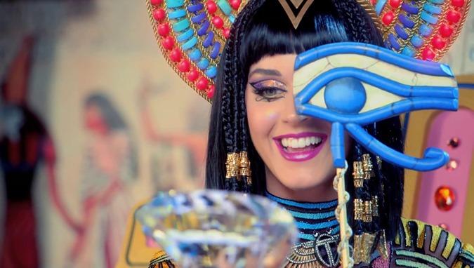 Katy Perry entra em colapso depois de perder o controle Mk-Ultra mente, e se torna viral 01