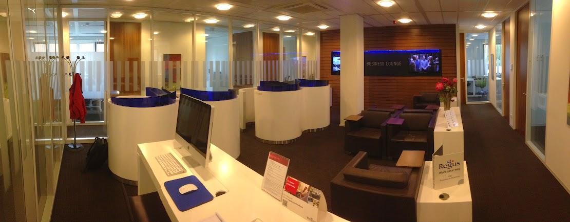Panoramafoto van de Business Lounge van Regus Apeldoorn