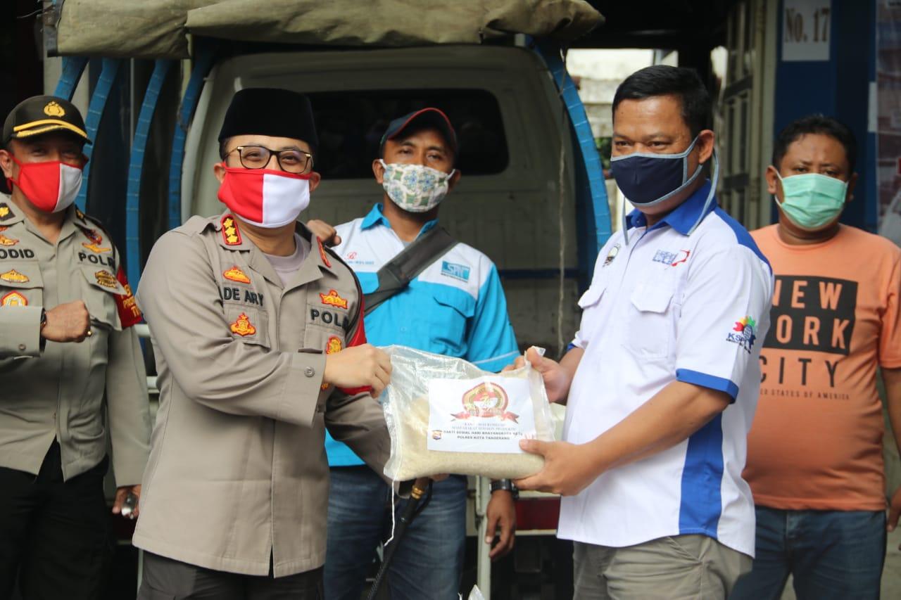 Sambut Hari Bhayangkara, Polresta Tangerang Distribusikan Bantuan 4,5 Ton Beras