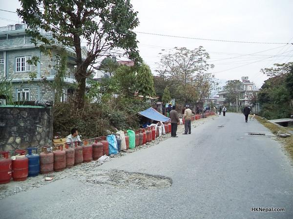 ग्याँसका लागि बास नै लाइनमा (फोटो फिचर)