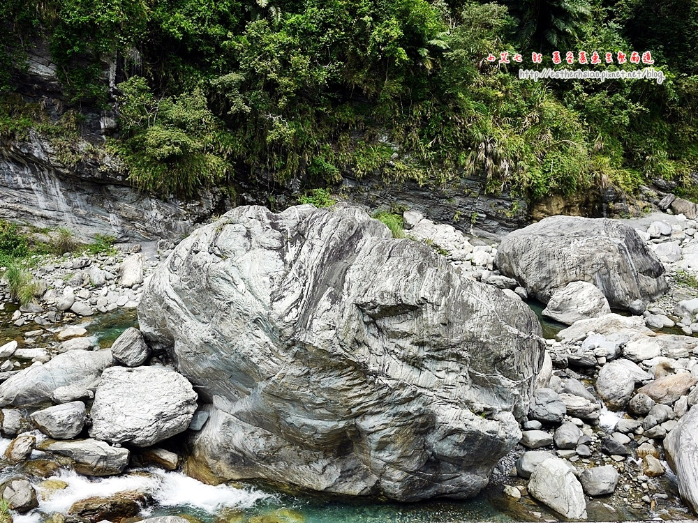 61 巨石